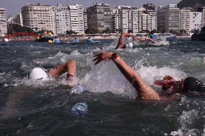 What dirty water? Olympians dive right in - The Boston Globe