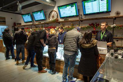Fall River recreational marijuana shop to use virtual line