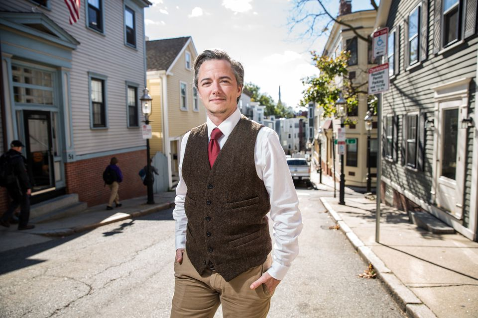 On any given day, Jesse Edsell-Vetter and his team at Metropolitan Boston Housing Partnership fan out across Boston and 29 surrounding communities. They typically visit six to 10 hoarding clients a day.