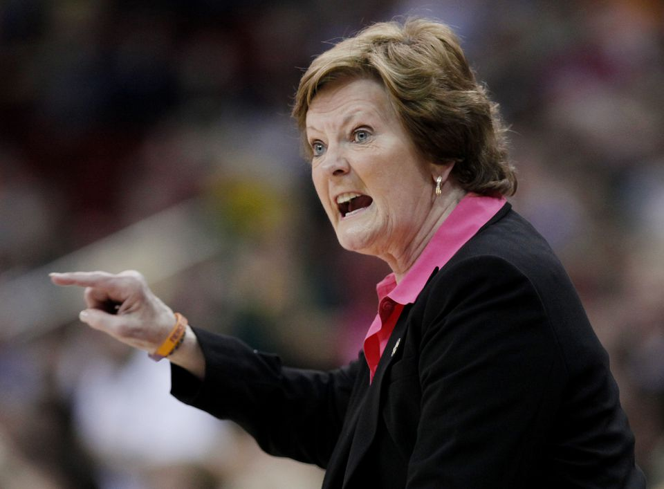 The death of legendary basketball coach Pat Summitt was one of the year's biggest stories.