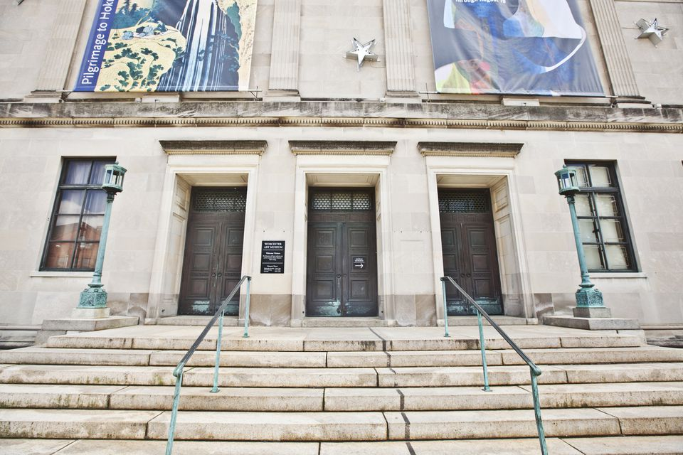 The Worcester museum has struggled in the shadow of Boston's institutions.