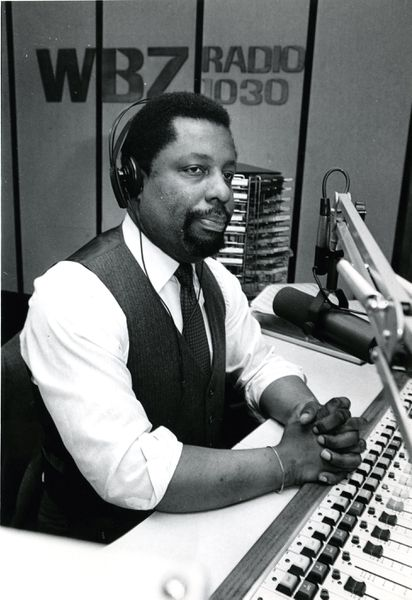 Lovell Dyett, WBZ radio personality, has died at 77 - The