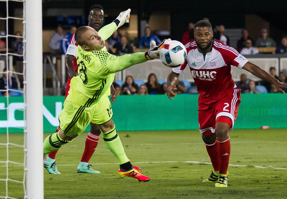 Brad Knighton (left) has been one of MLS's hottest keepers lately.