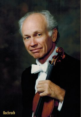 Mr. Knudsen also directed the New Philharmonia Orchestra.