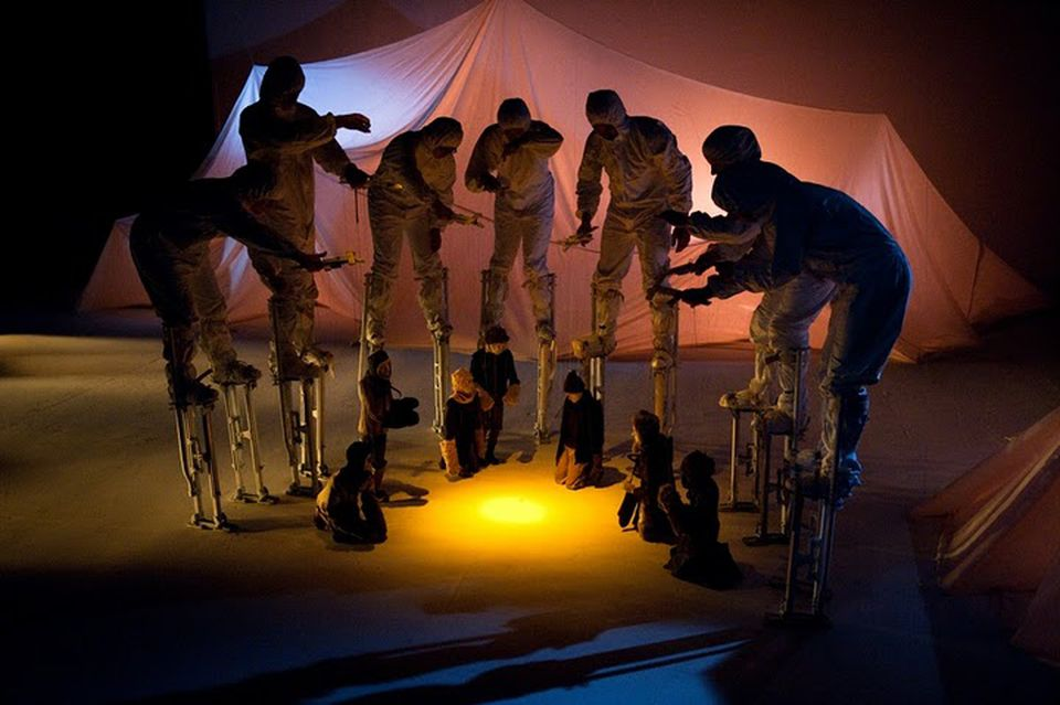"""69° S.'' tells the story of Ernest Shackleton's antarctic expedition using marionettes manipulated by performers on stilts."