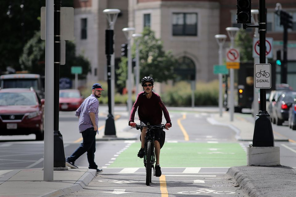 Bicycle-only traffic lights and a protected bike lane can now be found on Causeway Street.