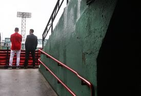 In late September, Francona conferred with Epstein in the stands at Fenway Park as the Red Sox tried to stop their slide.