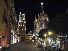 Parroquia San Miguel Arcangel at night.