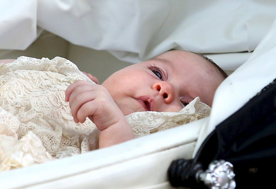 Princess Charlotte of Cambridge was born under the care of midwives.